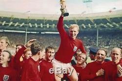 BOBBY MOORE Vintage Autographed Signed Commemorative First Day Cover 1966